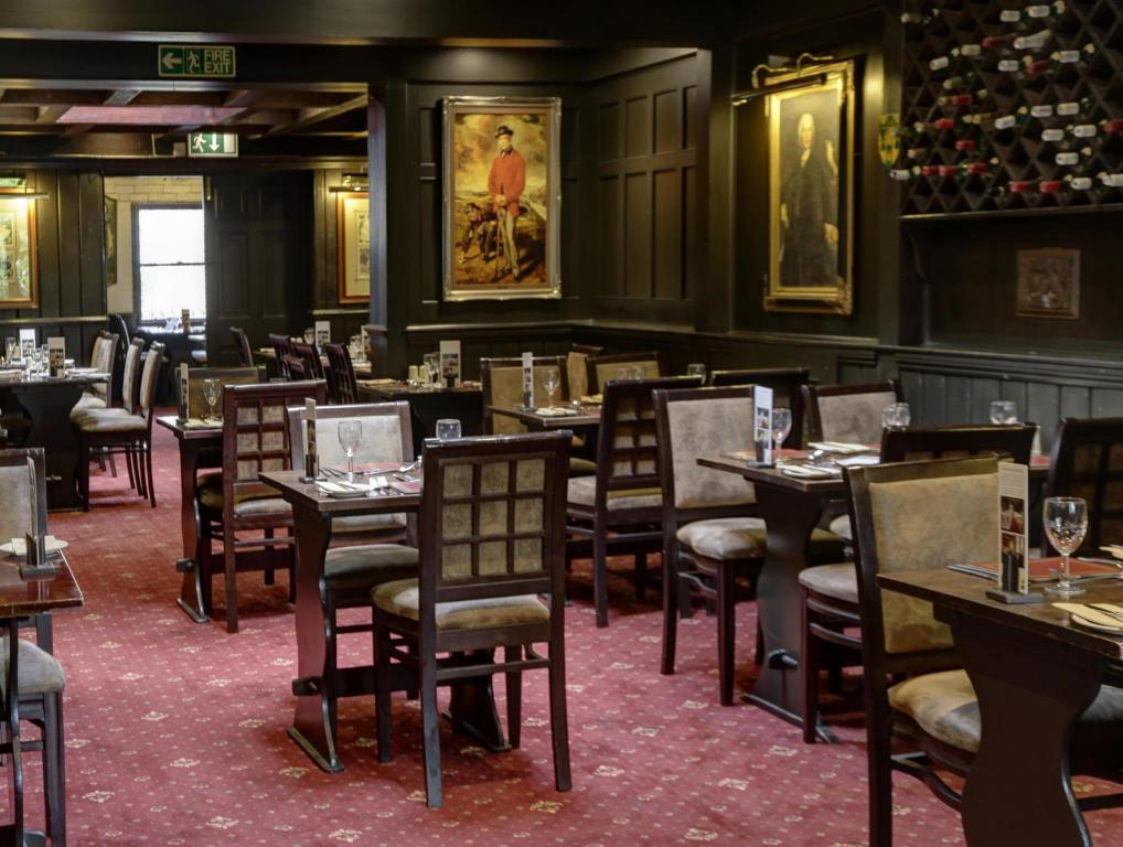 old tollgate hotel dining
